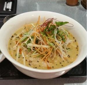 黒ゴマ担担麺