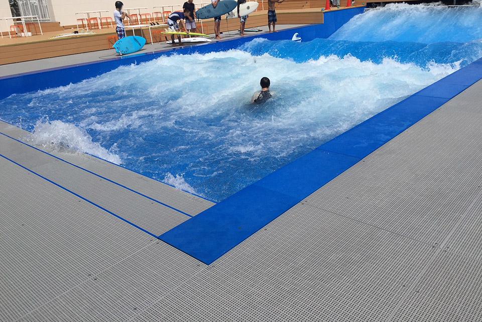 スポル人工波サーフィン